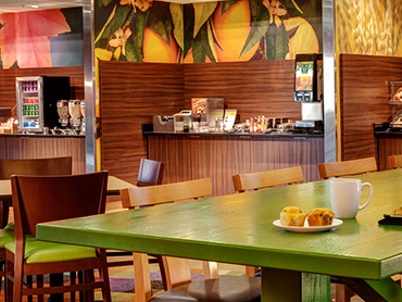 Restaurant Design_Fairfield Inn and Suites, Hyannis, MA_by Russell and Dawson